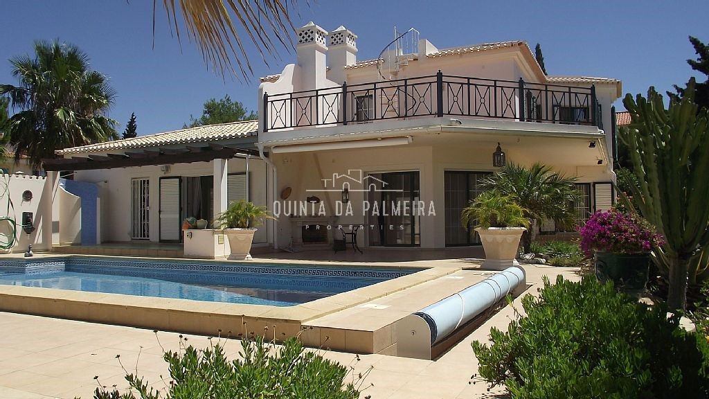 Magnificent two storey villa in an exclusive and peaceful resort.