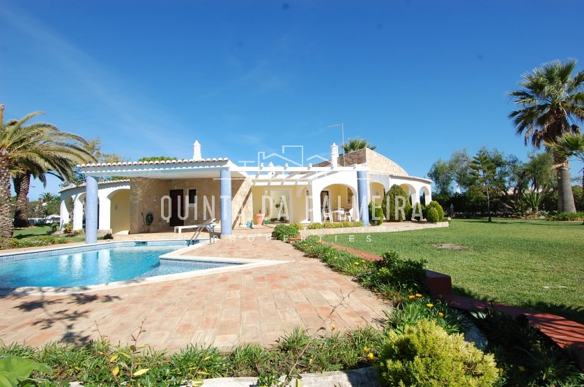 Attractive 3 bedroom villa with private pool